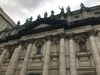 Basilique Marie-Reine-Du-Monde Cathedrale