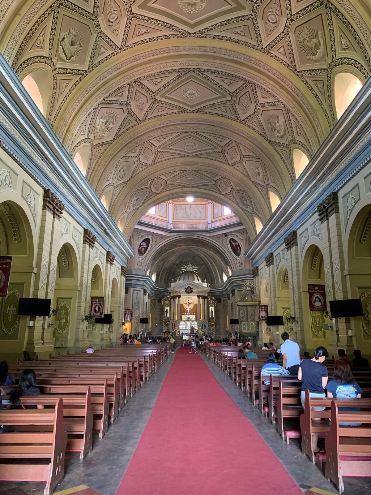 Taal Basilica interiors